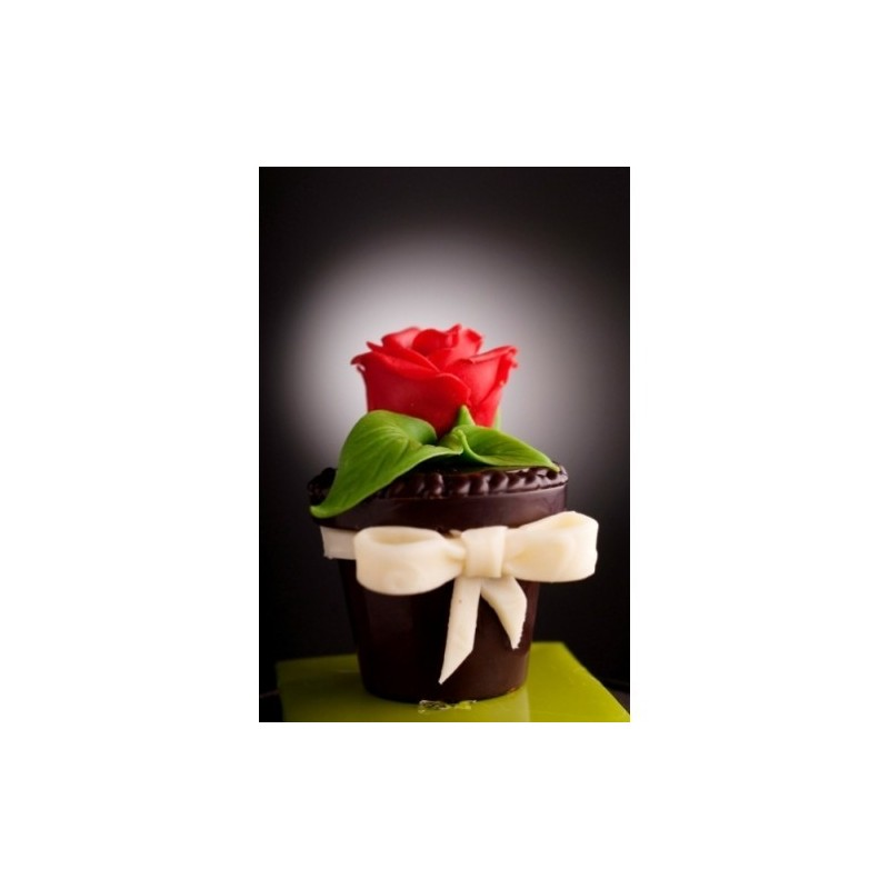 """Chocolate box """"Flower"""" with candies"""