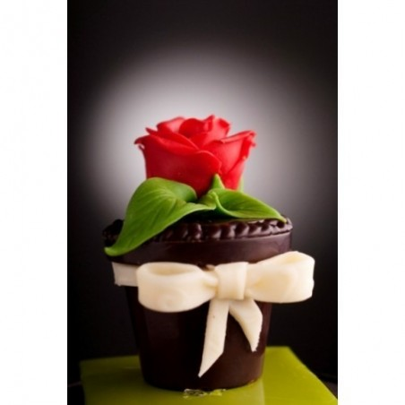 "Chocolate box ""Flower"" with candies"